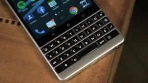 بررسی تخصصی گوشی Blackberry Key۲