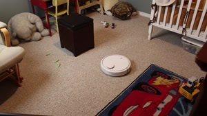 مقایسه ویدیویی بین جاروبرقی رباتی هوشمند mi robot شیائومی و iRobot