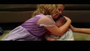 گریه ی دختر بچه برای آرزوی جالب و خنده دارش