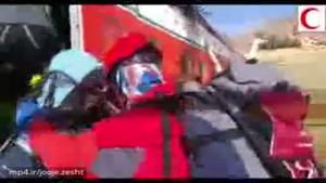 ادامه عملیات جست وجوی بقایای پیکر جان باختگان زیر لاشه هواپیما سقوط کرده آسمان 