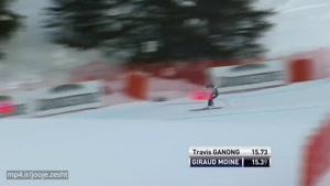 یک ورزشکار هنگام اسکی پاهایش شکست