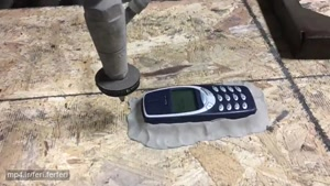 چالش نوکیا ۳۳۱۰ با فشار آب