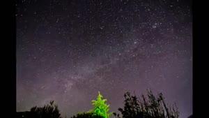 رقص ستارگان در اسمان شب