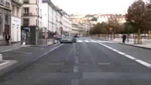 دیوانه ای که باعث چپ شدن اتوبوس شد
