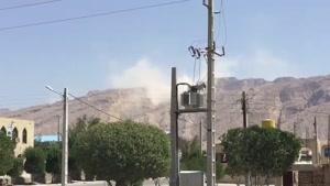 فیلم کوتاهی از گردوغبار ریزش کوه نمک در تنگستان استان بوشهر پس از زلزله 5.9 ریشتری امروز