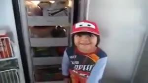 حرفای این پسر بچه ی شیطون بلا رو بشنوید...