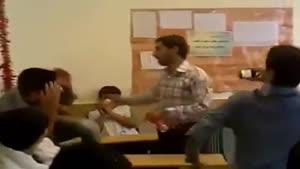 معلم دیوانه !!