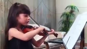 آهنگ تولدت مبارك با ویولون توسط دختر کوچولو