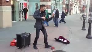 اجرای زیبا با ویولن الکترونیک