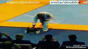 فن جالب استاد چقر برای شکست تخته چوب ها با یک ضربه