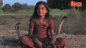 دختر هندی و شاه کبری