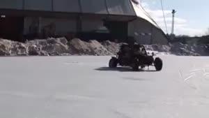 افتادن ماشین توی یخ