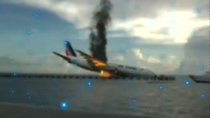 سقوط هواپیما در آب