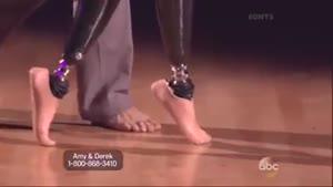 زنی که با وجود پاهای مصنوعی هنوز هم....