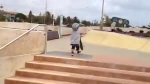 کودک اسکیت سوار