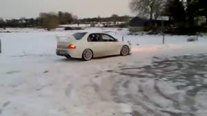 دور در جا تو برف با میتسوبیشی لنسر evo IIIX