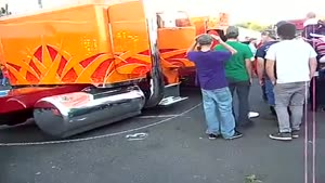 کامیون اسپرت و کف خواب