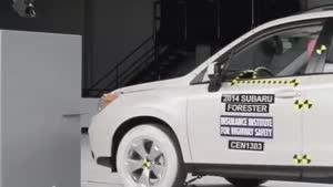 تست تصادف Subaru Forester