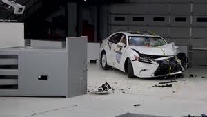 تست تصادف Lexus ES ۳۵۰