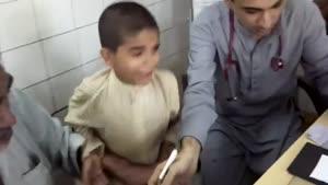 قیافه بچه هنگام آمپول زدن