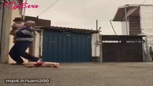 دختر کوچولو ورزشکار