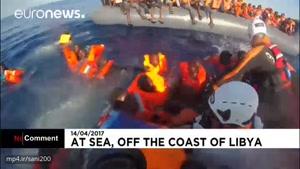 نجات مهاجران در دریای مدیترانه