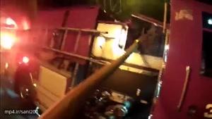 تلاش مامور آتش نشانی برای نجات دختر بچه ای که از طبقه سوم به پایین افتاد