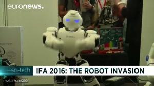 ربات ها، نمایشگاه فناوری برلین را تصرف کردند (دوبله فارسی)