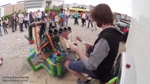 موسیقی خیابانی، خلاقیت با لوله