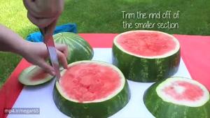 ترفندی جالب برای بریدن هندوانه بصورت کیک