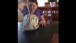 بفرمایید کیک بادکنکی