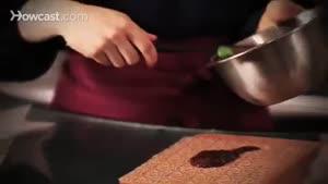 ۳ تزیین متفاوت برای تزیین کیک شکلاتی