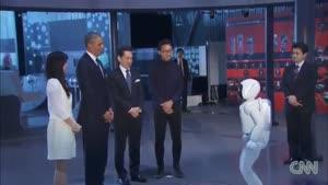 ربات فوتبالیست و اوباما