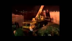لحظه سقوط جرثقیل درچندسانتیمتری محمدباقر قالیباف