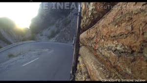 رانندگی در جاده های پر پیچ و خم با تریلی مرسدس بنز اکتروس