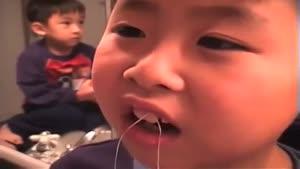دندان کشیدن بچه کوچولو