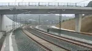 خارج شدن مترو سریع و سیر از ریل