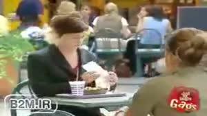 دوربین مخفی باحال در رستوران - تقلید کردن