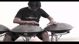 ۱ نوازنده و ۳ ساز