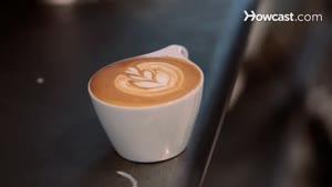 اموزش دیزاین قهوه با شیر به شکل قلب