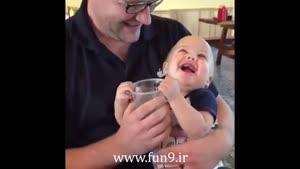 این بچه خیلی آب دوست داره