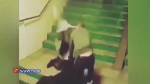 ضرب و شتم پیرمرد کارگر به خاطر طلب کردن مزدش !!