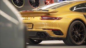 خط تولید 2018 Porsche 911 Turbo S Exclusive Series