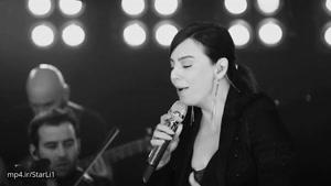 اجرای زنده آهنگ sensizim توسط ابرو