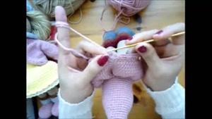 آموزش گام به گام بافتن عروسک ۰۲۱۲۸۴۲۳۱۱۸-۰۹۱۳۰۹۱۹۴۴۸-wWw.۱۱۸File.Com