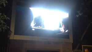 تلویزیون شهری دات پیچ ١٠ خارج سالن شرکت ایلیا