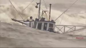 ده تا از کشتی های طوفان زده وسط دریا- حوادث دریایی