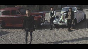 موزیک ویدئوی هرجا که باشی از امو باند