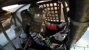 مسابقه اتومبیل رانی پدر و پسر