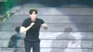 رقص لی جونگ سوک در فن میتینگ۲۰۱۷